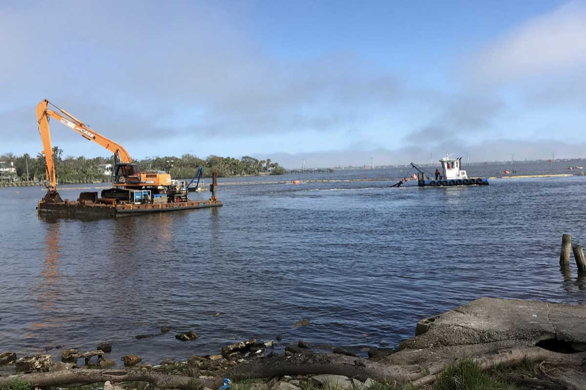 Indian River Lagoon Muck Removal Project